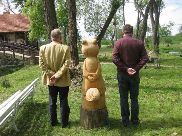 From left to right: Willem van der Vegt (The Netherlands), wooden BEBRAS, Ries Kock (The Netherlands)